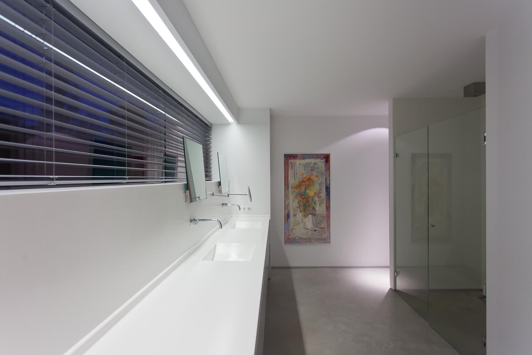 strak inbouw lichtlijn badkamer