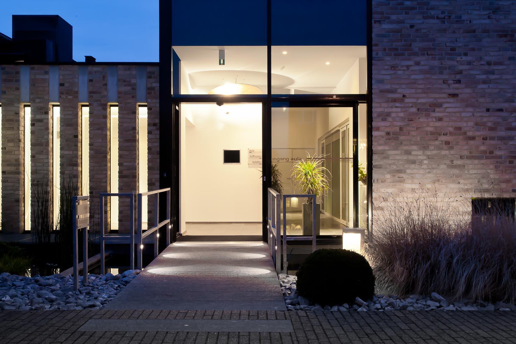 Het funerarium verstappen te Geel van architect Herman Boonen werd verlicht door Lichthuis Mol