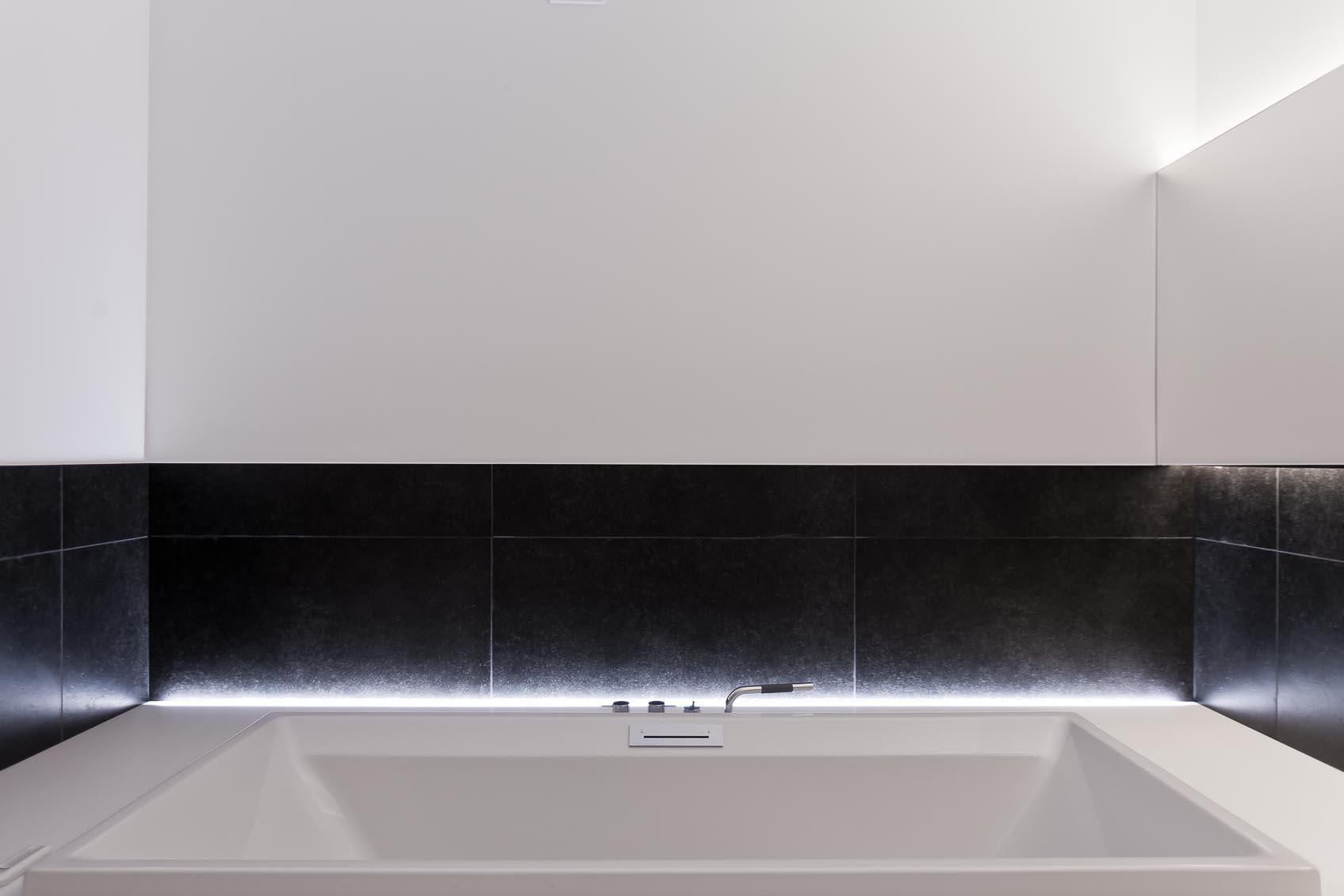 rgb led verlichting indirect ingewerkt in badkamer, lichtadvies door onze lichtarchitecten lichthuis mol