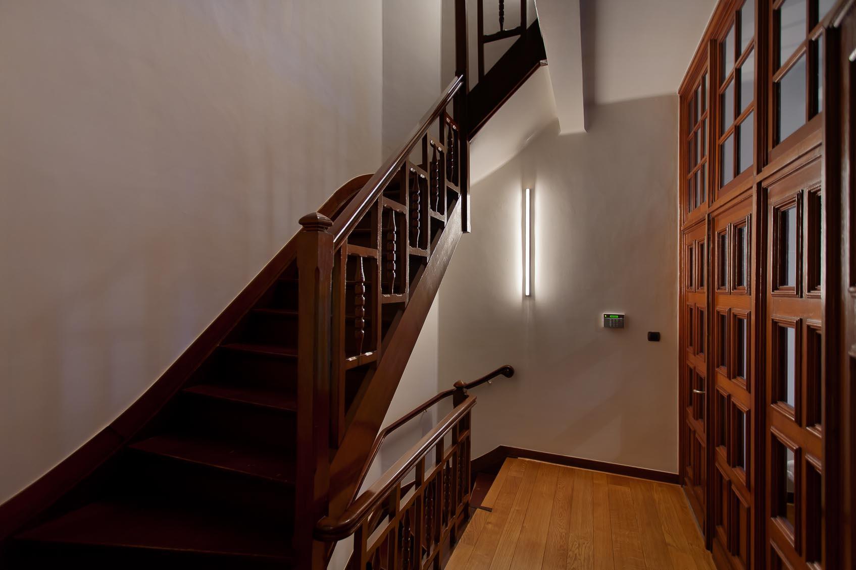 Lichtadvies voor de juiste sfeer en uitstraling door maatwerk linestra wandlampen