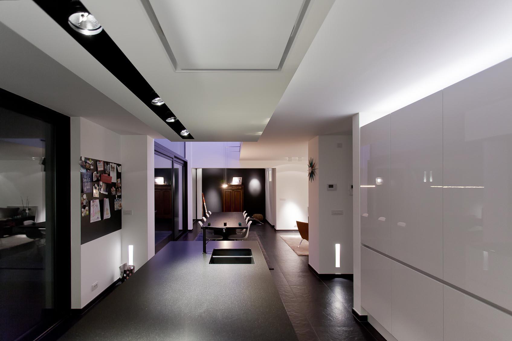 als lichtarchitect maakten wij voor deze architecturale woning een bijzonder totaal lichconcept