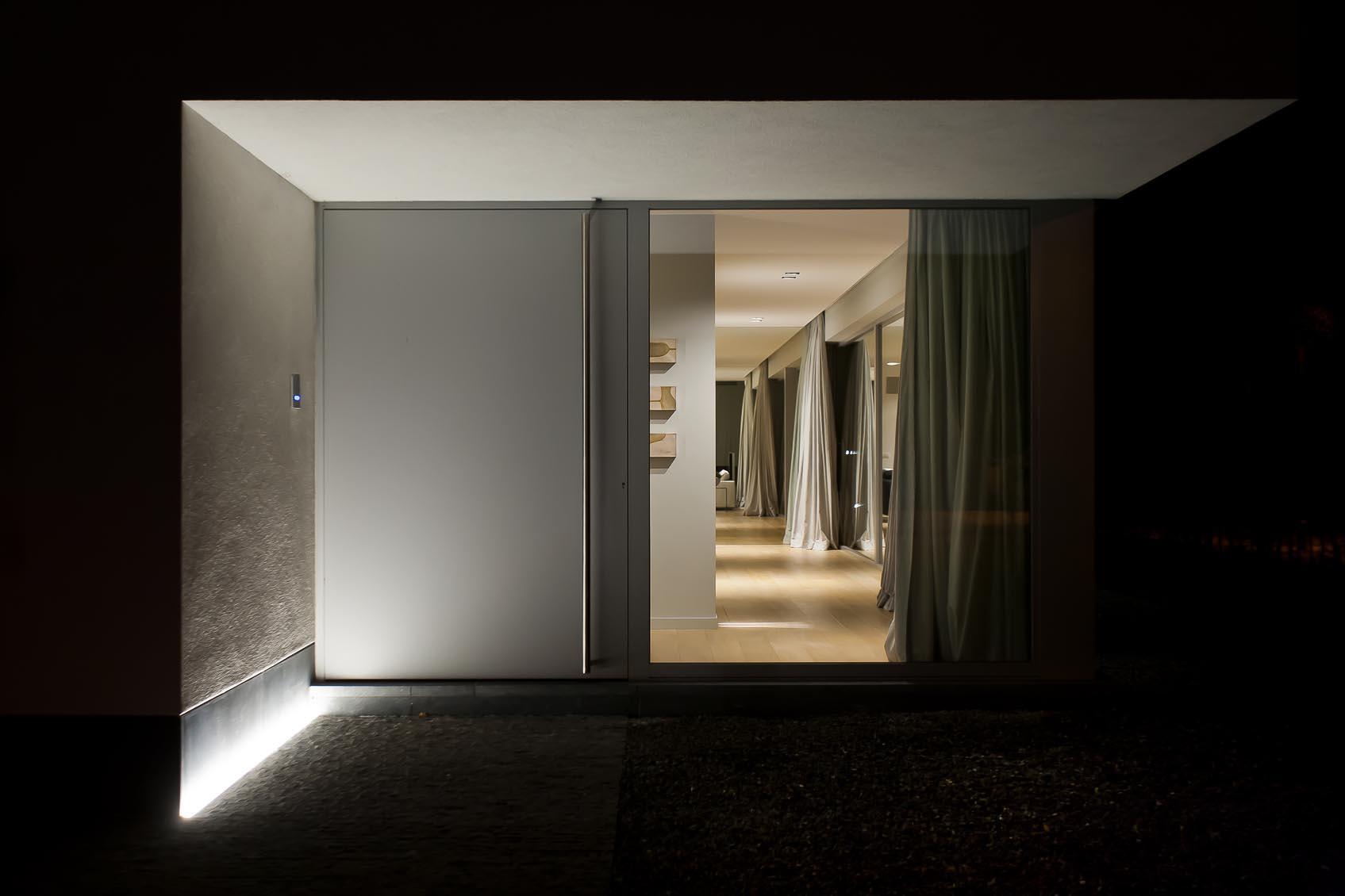 lichtstudie voor nieuwbouw met inbouw lichtlijn c2 in vloer in gevel