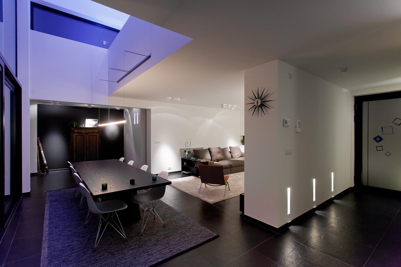 een creatieve lichtstudie door lichthuis gemaakt voor deze moderne woning