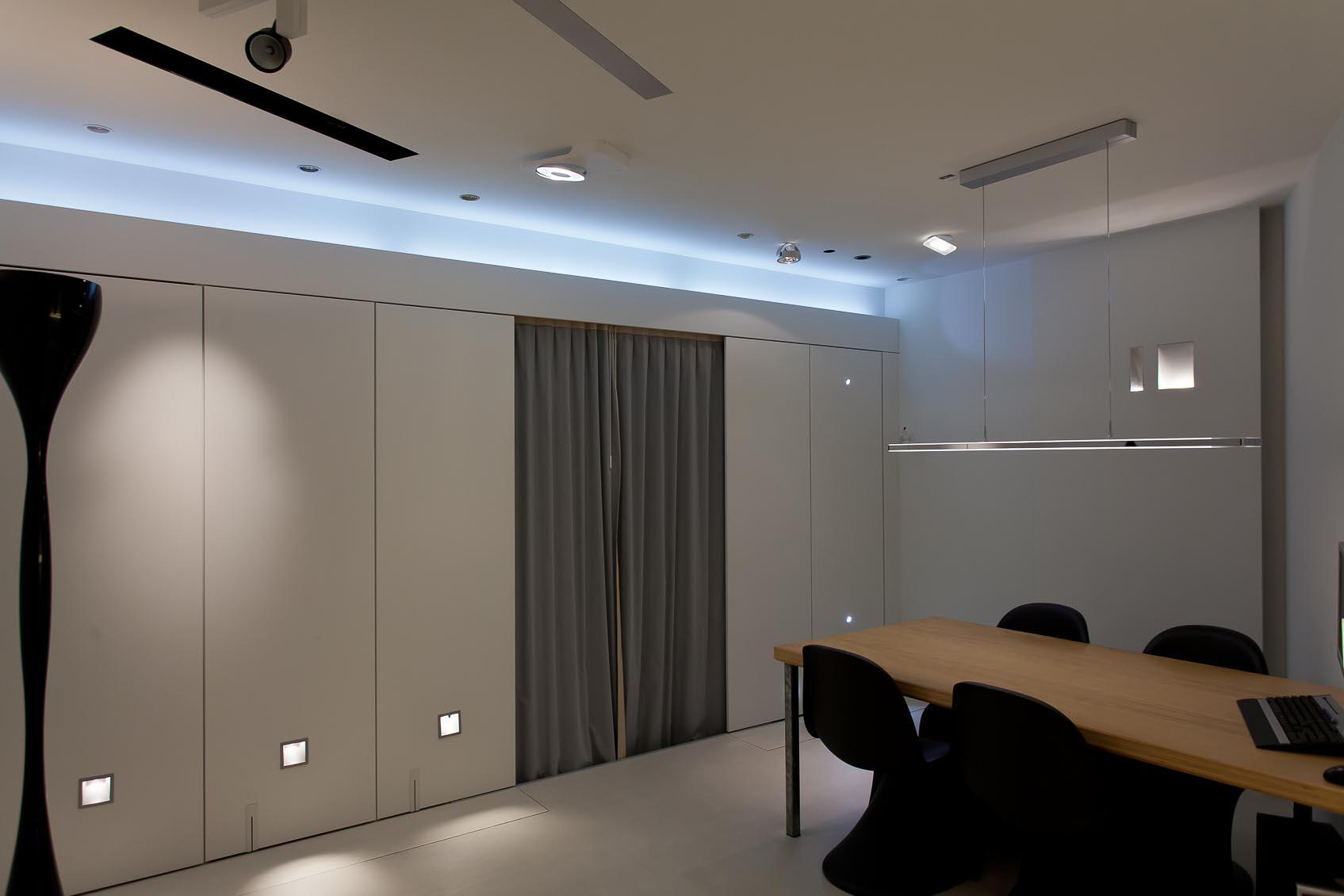 Plafond Inbouwverlichting: Verlaagd plafond keuken glad stucwerk ...