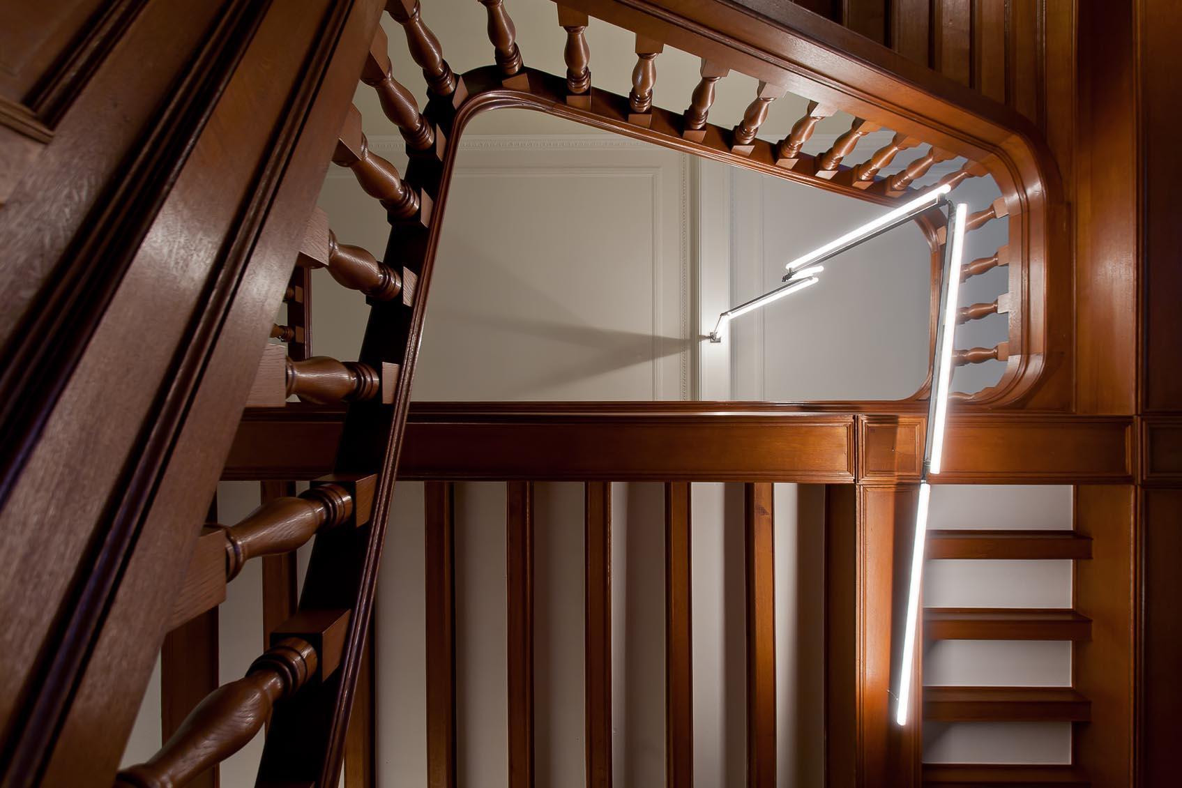 Kunstzinnig lichtobject door linestra maatwerklichtoplossing van lichtkunstenaar Jan Pauwels firma random