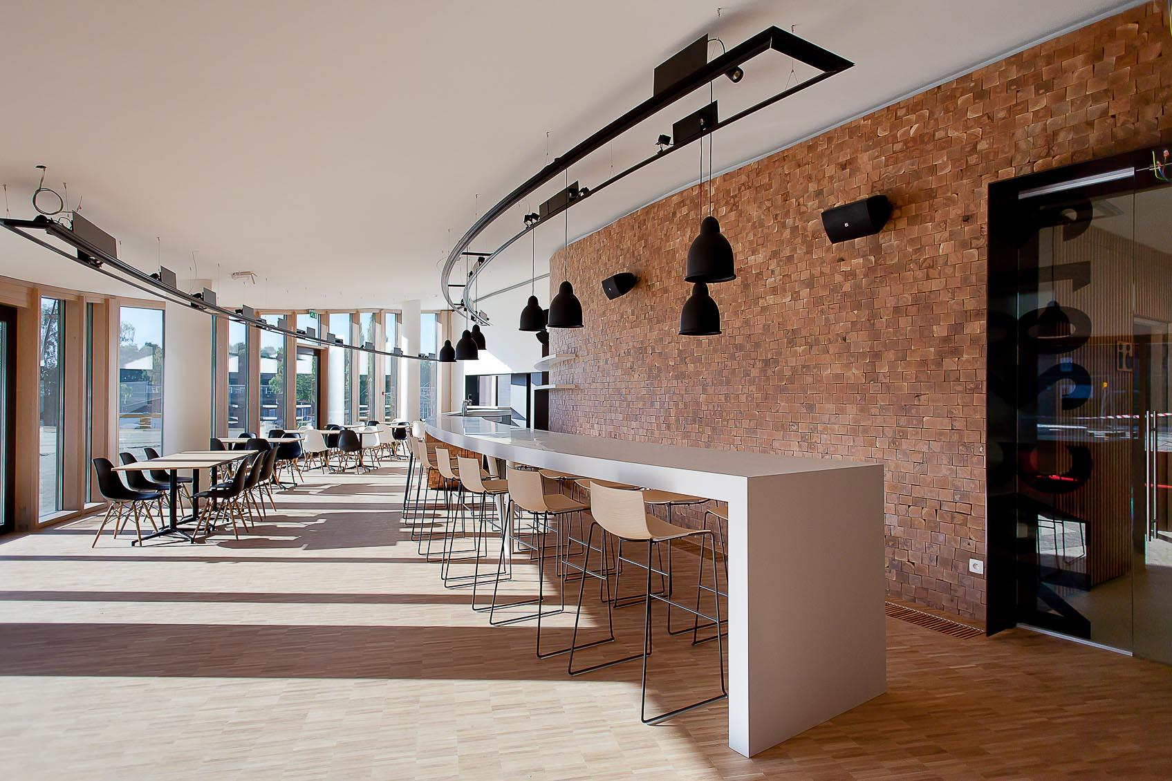 technisch architecturale verlichtingsconcept voor cafetaria nac